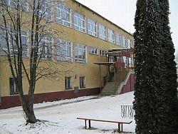 Budynek Szkoły Podstawowej wZawierzbiu